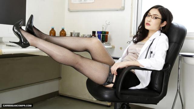 Caribbeancom 072215_286 Ryu Enami Beautiful Sleepy S Medical Pleasure Treatment of Female Doctor - Japanese AV Porn
