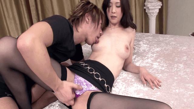 1Pondo 042611_080 Kotone Amamiya Neat and horny older sister First uncensored ban on closing - Japanese AV Porn