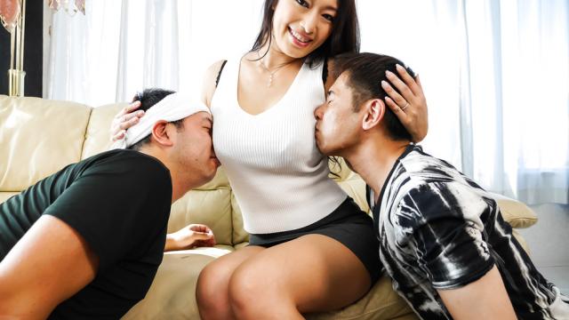 AV Videos Busty brunette enjoys serious threesome on cam