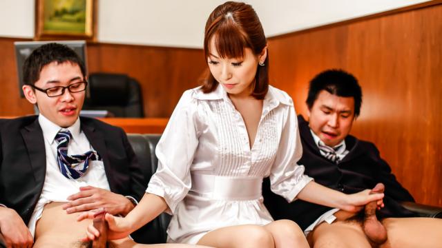 Japan blowjob at theoffice alongNonoka Kaede - Japanese AV Porn