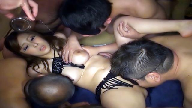 Lovely Orihara Honoka enjoys a gang bang - Japanese AV Porn