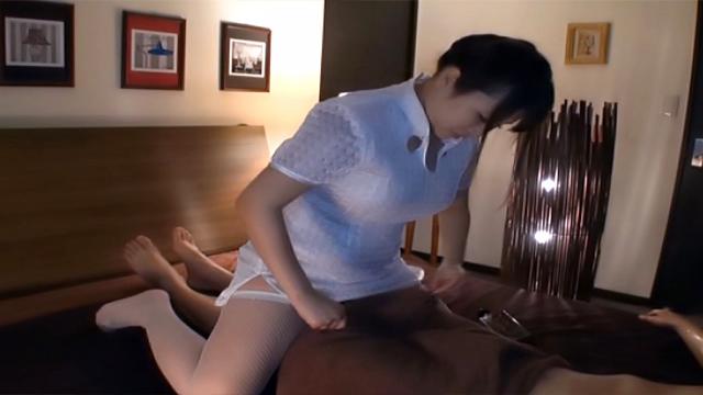 AV Videos Mion Hatsuki, Asian amateur in white stockings gives handjob