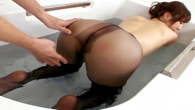 Reiko Sawamura, mature Asian babe gets hardcore pussy play - Japanese AV Porn