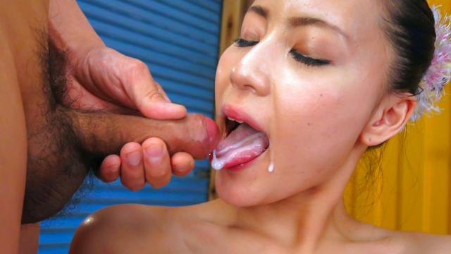 AV Videos Strong Japaneseblowjobfor steamy JapaneseRenAzumi