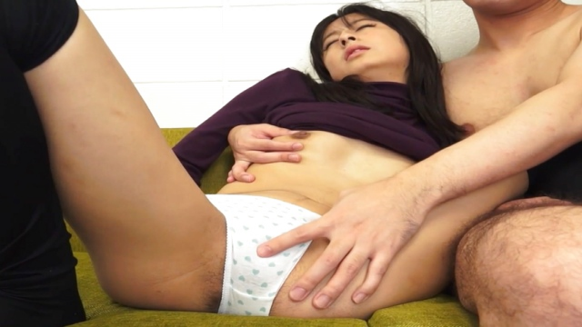Takahide Juri loves her cunt fingered - Japanese AV Porn